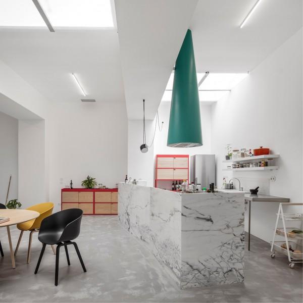 Lieblich Alternativer Wohnraum U2013 Portugiesische Architekten Verwandeln Eine  Fensterlose Garage In Ein Stylisches Zu Hauseu2026